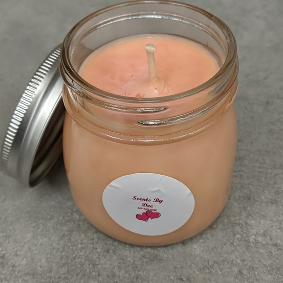 Homemade Soy Candle in jar: Strawberry Cream